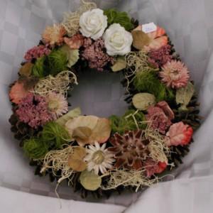 toboz alapos száraz virágos halottak napi koszorú